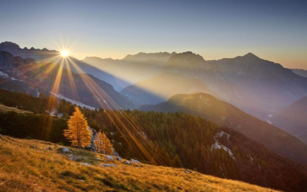 sunrise-over-the-mountains-8255